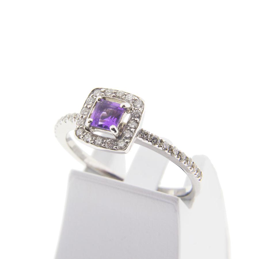 Диамантени годежни пръстени
